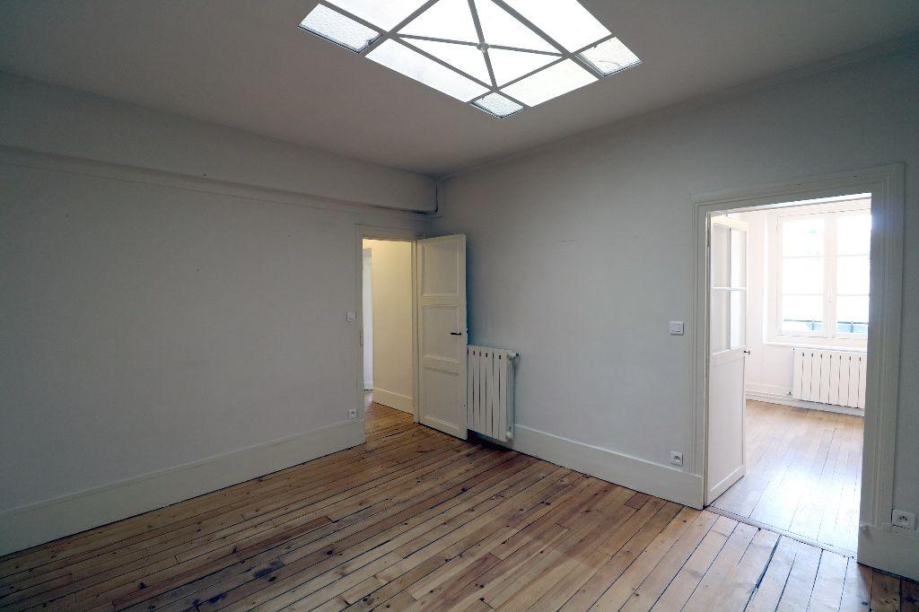 Location Immobilier d'entreprise VERSAILLES - AVENUE DE SAINT CLOUD